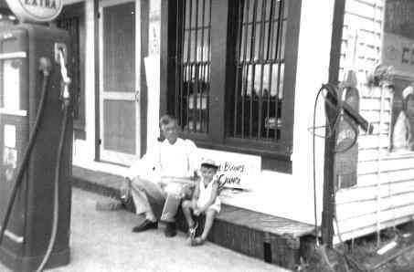 Photo taken on outskirts of Monroeville, 1952